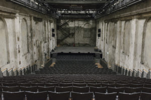 Theatersaal der Gebläsehalle Duisburg (Foto: Jörg Brüggemann/Ostkreuz)
